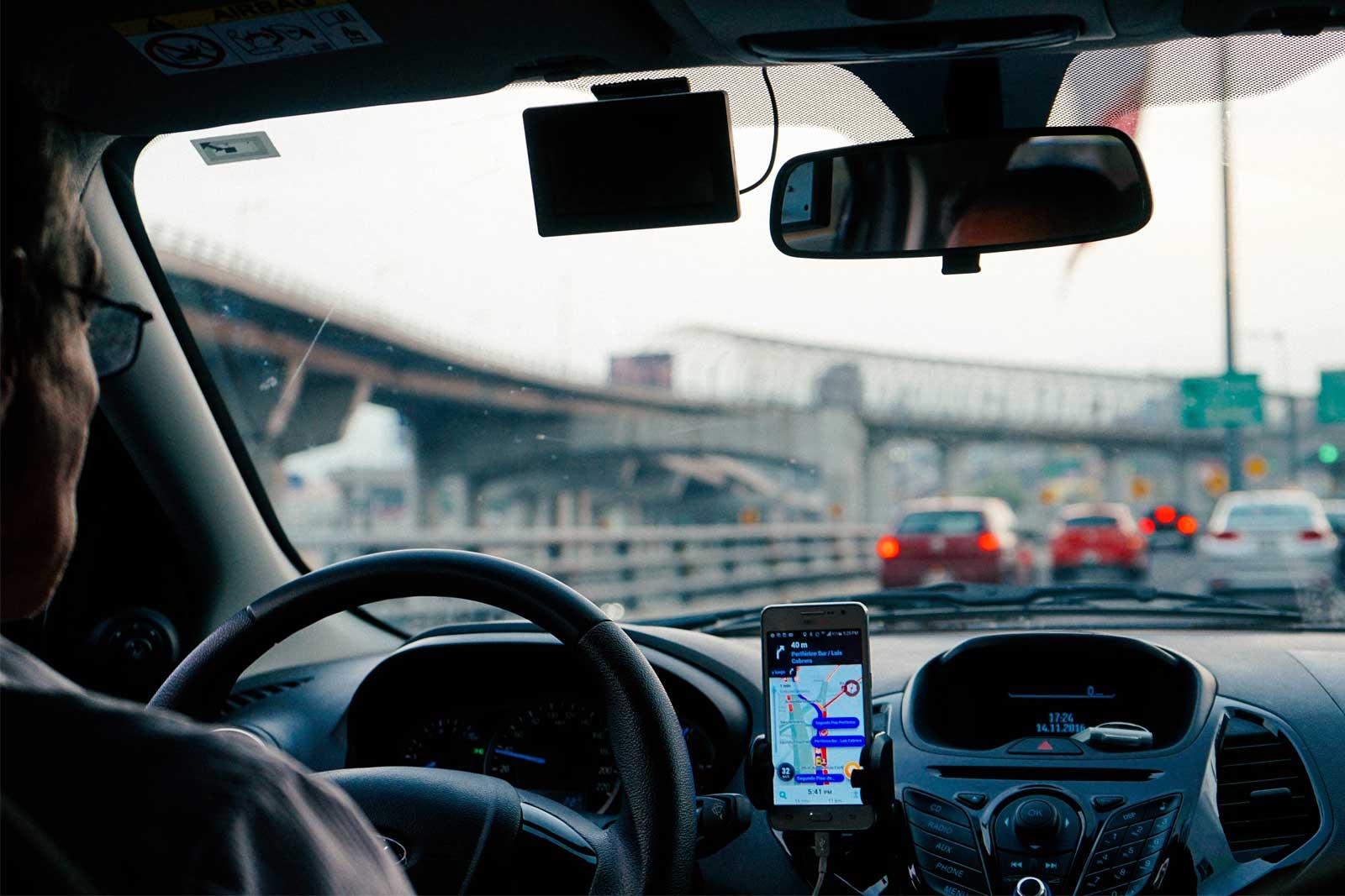 Resultado de imagem para Motoristas de transporte por aplicativo são beneficiados com linha de crédito